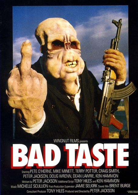 """Il cult splatter del regista de Il signore degli anelli: """"Bad Taste"""""""